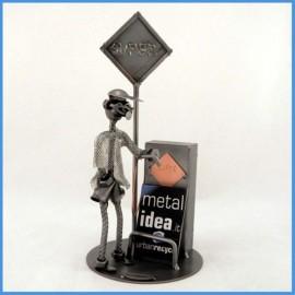Scultura metallica Benzinaio