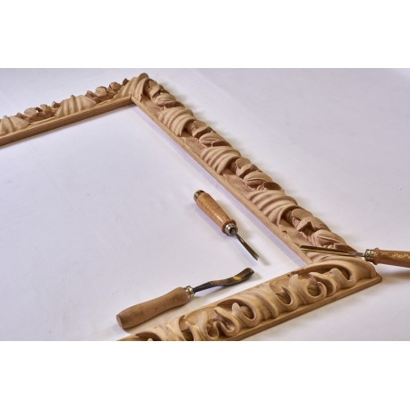 C 506  cornice intaglio in legno artigianale