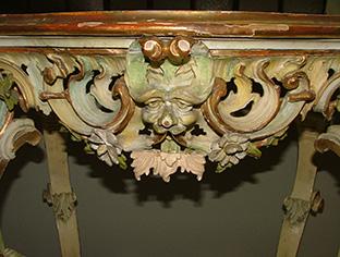 Restauro consolle laccata e dorata stile veneziano